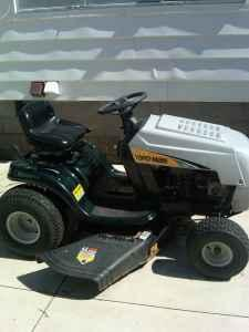 2009 yard machine riding mower - $400 (ponca city)