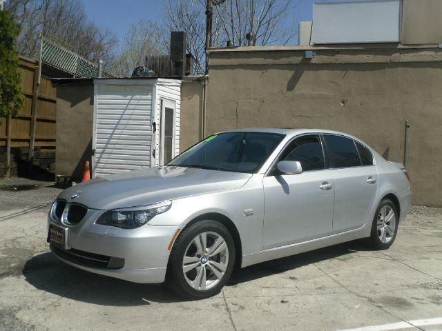 2010 bmw 5 series sedan 528xi for sale in saddle brook new jersey classified. Black Bedroom Furniture Sets. Home Design Ideas