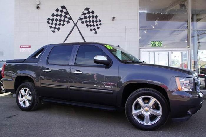 2010 chevrolet avalanche lt 4x2 lt 4dr pickup for sale in hayward california classified. Black Bedroom Furniture Sets. Home Design Ideas
