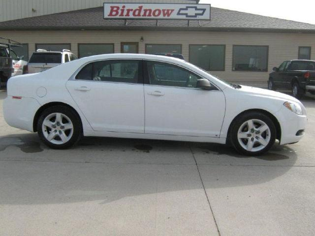 2010 chevrolet malibu ls for sale in cascade iowa classified. Black Bedroom Furniture Sets. Home Design Ideas