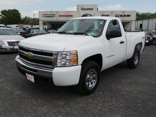 2010 CHEVROLET Silverado 1500 4x4 Work Truck 2dr Regular