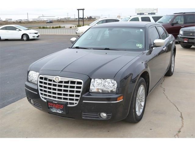 2010 chrysler 300 sedan 4dr sdn for sale in levelland texas classified. Black Bedroom Furniture Sets. Home Design Ideas