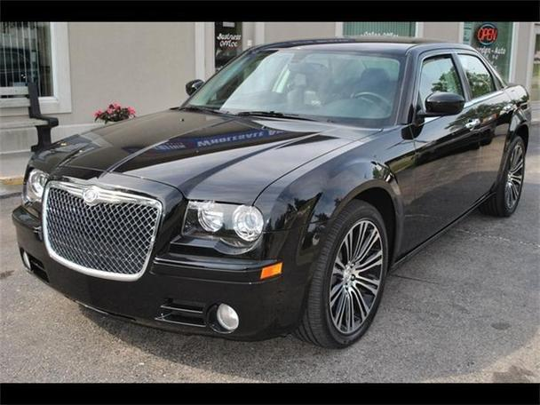 2010 chrysler 300 series s hemi for sale in flushing michigan classified. Black Bedroom Furniture Sets. Home Design Ideas