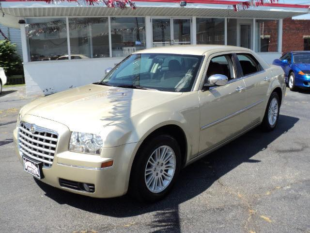 2010 chrysler 300 touring for sale in huntington west virginia classified. Black Bedroom Furniture Sets. Home Design Ideas