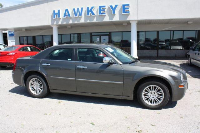 2010 chrysler 300 touring for sale in red oak iowa classified. Black Bedroom Furniture Sets. Home Design Ideas