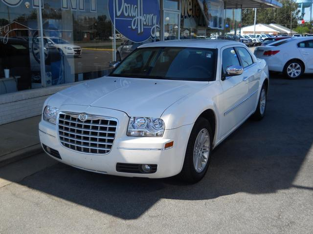 2010 Chrysler 300 Touring for Sale in Farmville, North ...