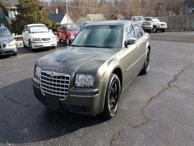2010 chrysler 300 touring touring 4dr sedan for sale in springfield missouri classified. Black Bedroom Furniture Sets. Home Design Ideas