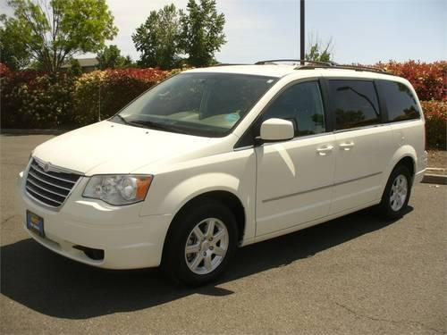 2010 chrysler town country minivan van 4dr wgn touring for sale in medford oregon classified. Black Bedroom Furniture Sets. Home Design Ideas