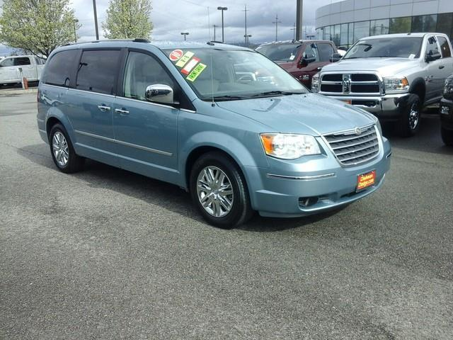 2010 chrysler town and country limited limited 4dr mini van for sale in spokane washington. Black Bedroom Furniture Sets. Home Design Ideas