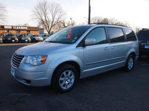 2010 chrysler town and country mini van touring for sale in east hanover new jersey classified. Black Bedroom Furniture Sets. Home Design Ideas