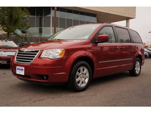 2010 chrysler town and country mini van touring w dvd for sale in east hanover new jersey. Black Bedroom Furniture Sets. Home Design Ideas