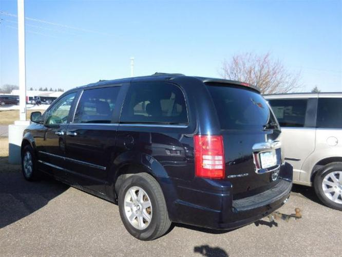 2010 chrysler town and country touring touring 4dr mini. Black Bedroom Furniture Sets. Home Design Ideas