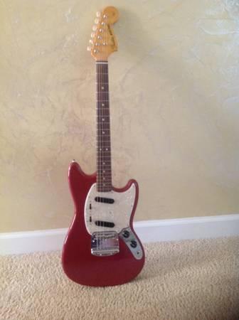 2010 Fender Mustang Guitar 65 Reissue - $650