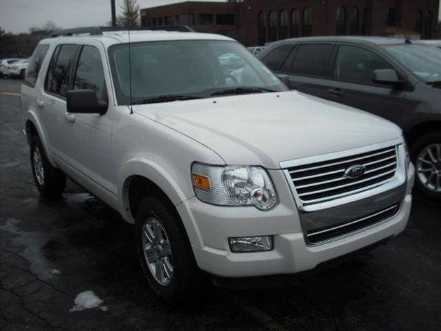 2010 ford explorer 4wd 4dr xlt for sale in clayton missouri classified. Black Bedroom Furniture Sets. Home Design Ideas