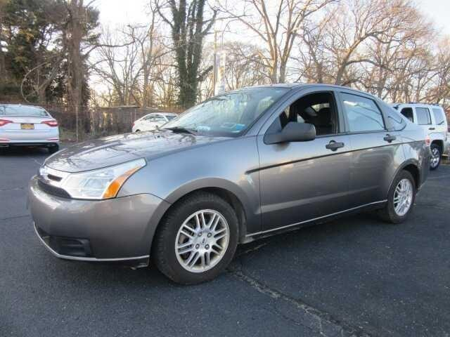 2010 Ford Focus SE SE 4dr Sedan