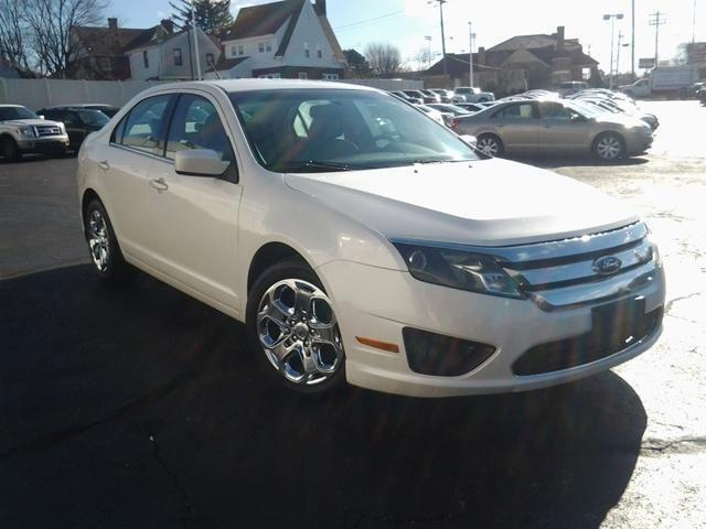 2010 ford fusion 4d sedan se v6 for sale in cincinnati. Black Bedroom Furniture Sets. Home Design Ideas