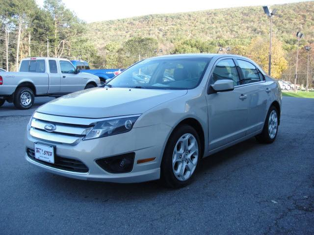 2010 ford fusion se for sale in tyrone pennsylvania. Black Bedroom Furniture Sets. Home Design Ideas