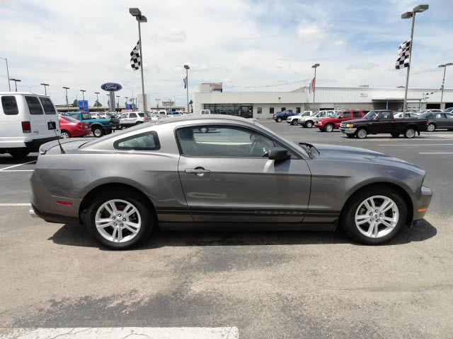 2010 ford mustang for sale in west memphis arkansas classified. Black Bedroom Furniture Sets. Home Design Ideas