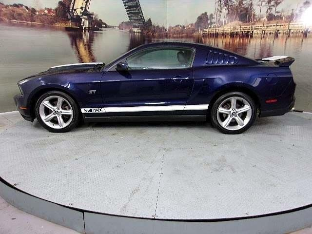 2010 Ford Mustang GT GT 2dr Coupe