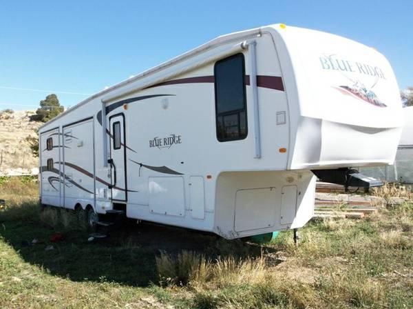 2010 Forrest River Blue Ridge Cabin Fifth Wheel Series M