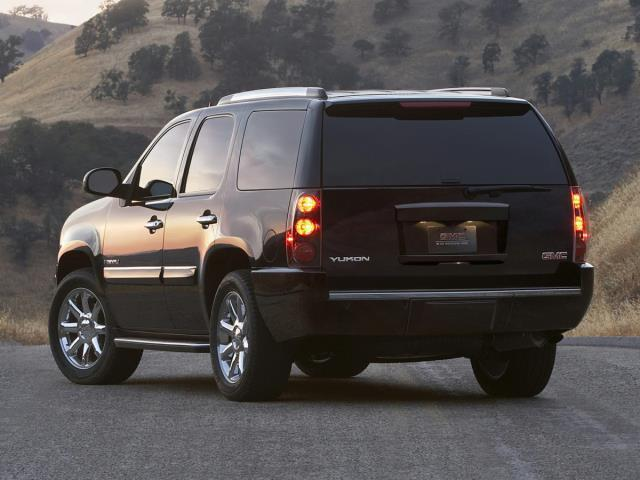 2010 gmc yukon denali awd denali 4dr suv for sale in auburn washington classified. Black Bedroom Furniture Sets. Home Design Ideas