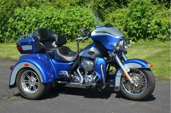 2010 Harley-Davidson TriGlide Ultra Classic FLHTCUTG