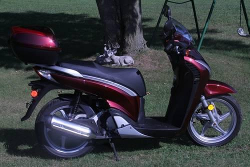2010 Honda SH150 I motorcycle/scooter. 91mpg! Under 2K