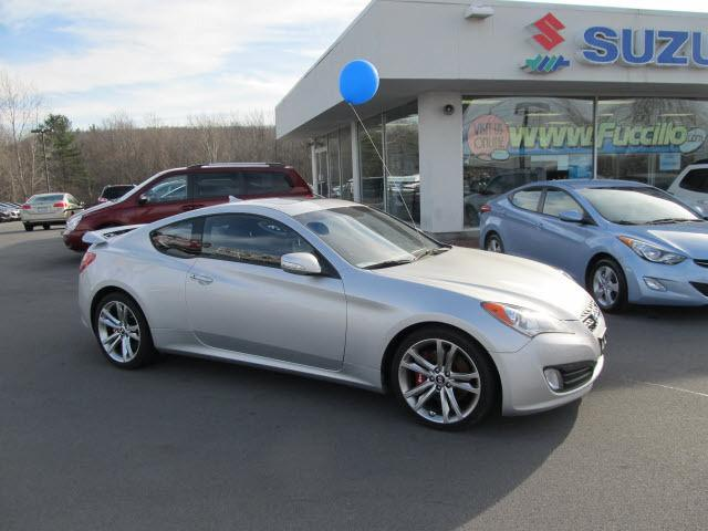 2010 hyundai genesis coupe for sale in watertown new york classified. Black Bedroom Furniture Sets. Home Design Ideas