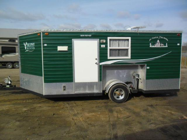 2010 ice castle trophy hunter 8 x16 fish house for sale for Fish house for sale mn