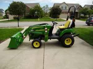2010 JOHN DEERE 2305 4WD ONLY 7 HOURS!! - $10900