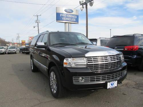 2010 lincoln navigator l 4wd sport utility vehicles for sale in danbury connecticut classified. Black Bedroom Furniture Sets. Home Design Ideas