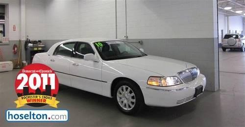 2010 LINCOLN TOWN CAR 4DR SDN SIGN LTD SIGNATURE