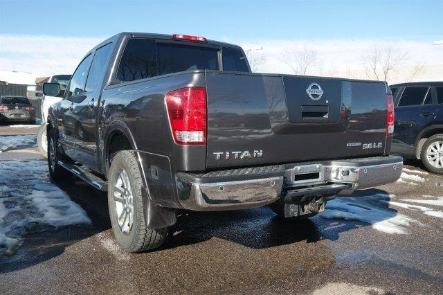 2010 nissan titan le 4x4 le 4dr crew cab swb pickup for. Black Bedroom Furniture Sets. Home Design Ideas