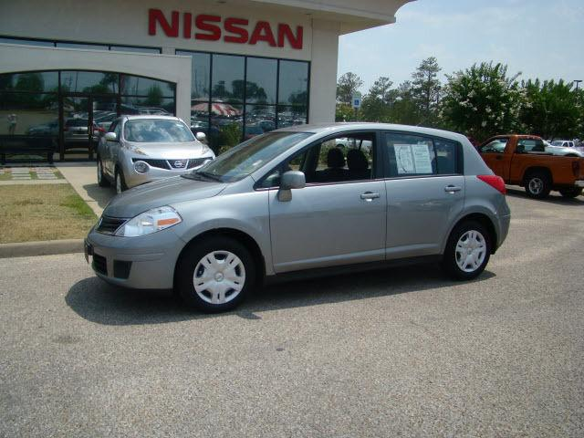2010 nissan versa for sale in dothan alabama classified. Black Bedroom Furniture Sets. Home Design Ideas