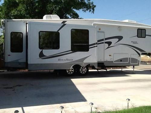 2010 Nuwa Hitchhiker 5th Wheel 34 Excellent Condition