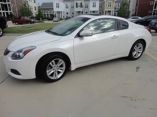 2010 Pearl White Nissan Altima Coupe 2 5 S Excellent