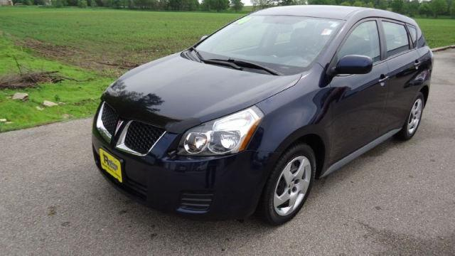 2010 pontiac vibe base for sale in shell rock iowa classified. Black Bedroom Furniture Sets. Home Design Ideas