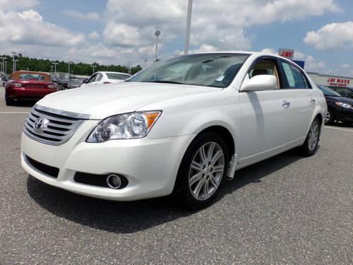 2010 Toyota Avalon Limited photo - 1