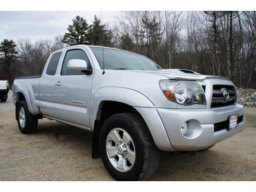 2010 toyota tacoma access cab 4x4 v6 for sale in raynham massachusetts classified. Black Bedroom Furniture Sets. Home Design Ideas