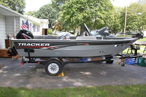 2010 tracker pro guide fishing boat 16 5 ft w trailer for 16 ft fishing boat