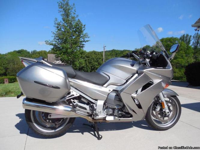 2010 Yamaha Fjr 1300 Sport Touring Mint Condition With