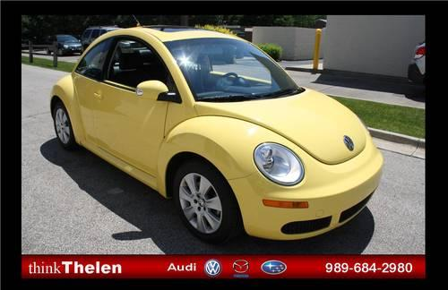 2010 volkswagen beetle sunflower yellow auto 29k mi for sale in bay city michigan. Black Bedroom Furniture Sets. Home Design Ideas