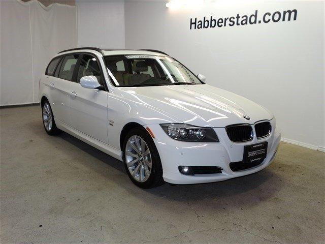 2011 bmw 3 series station wagon 328i xdrive for sale in dix hills new york classified. Black Bedroom Furniture Sets. Home Design Ideas