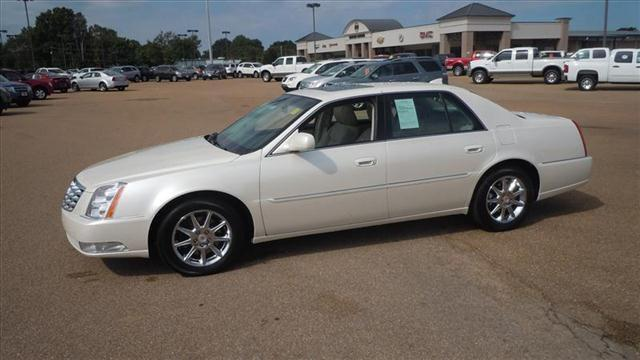 2011 cadillac dts luxury collection for sale in batesville mississippi classified. Black Bedroom Furniture Sets. Home Design Ideas
