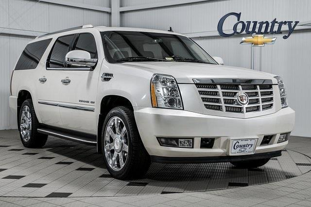 2011 Cadillac Escalade ESV Luxury AWD Luxury 4dr SUV