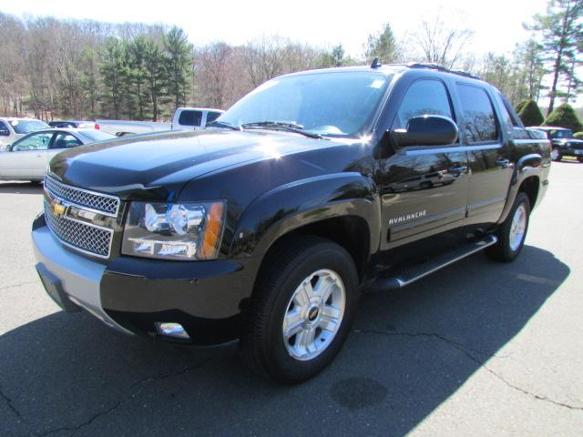 2011 chevrolet avalanche 1500 lt1 wilton ct for sale in wilton connecticut classified. Black Bedroom Furniture Sets. Home Design Ideas
