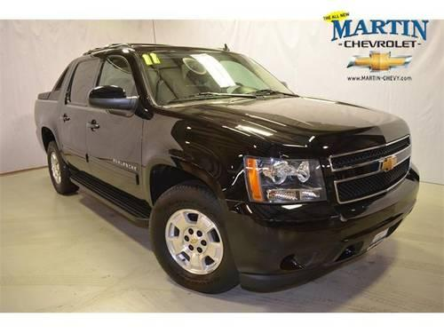 Lovely ... Crystal Lake, Illinois · 2011 Chevrolet Avalanche Crew Cab Pickup    Short Bed LS