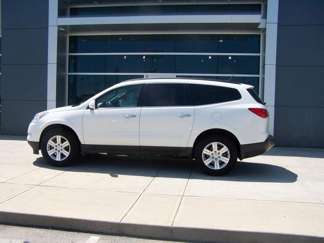 2011 chevrolet traverse lt for sale in parsons kansas. Black Bedroom Furniture Sets. Home Design Ideas