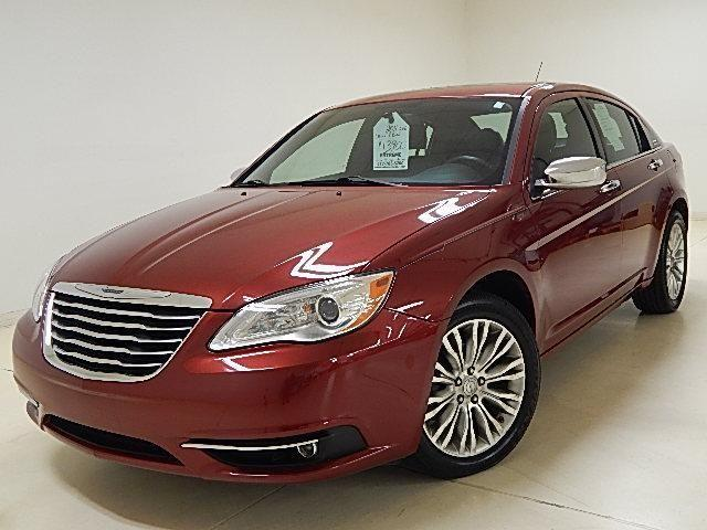 2011 chrysler 200 sedan leather sunroof for sale in darbydale ohio classified. Black Bedroom Furniture Sets. Home Design Ideas