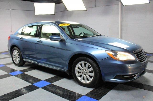 2011 chrysler 200 touring touring 4dr sedan for sale in charleston west virginia classified. Black Bedroom Furniture Sets. Home Design Ideas
